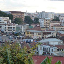 Blick auf die Innenstadt von Tana