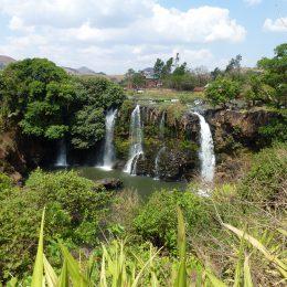 Wasserfälle des Lilly-Flusses im Hochland